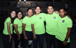 24112016 COMPAñEROS.  Nancy, Fátima, Ximena, Daniel, Gerardo y Daniel.