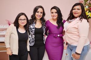 25112016 SE CASARá EN BREVE.  Geisel acompañada de Ana Gaby, Mónica y Daniela.