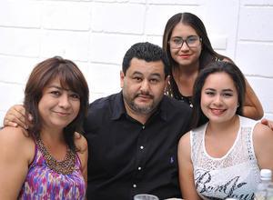 Alejandra, Alejandro, Claudia y Marian