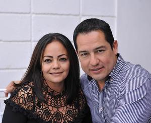 Caro y Manolo