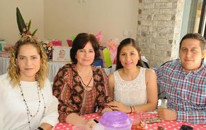 Karime, Teresa, Laura y Miguel