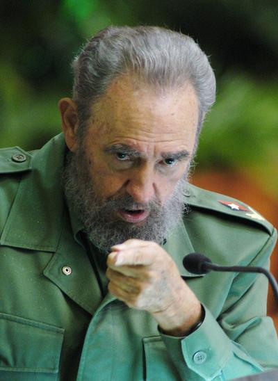 """Fidel Castro creó en Cuba un """"comunismo caribeño"""" con base marxista-leninista, pero sobre todo muy influido por el legado nacionalista del héroe independentista José Martí y trufado con recetas de cosecha propia, resultando un singular modelo """"fidelista""""."""