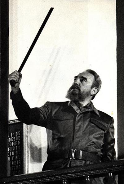 Castro estuvo al frente de una revolución que puso a Cuba en el centro de la escena internacional y de un régimen que se ha prolongado 56 años.