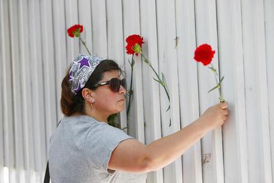 Rinden honores en la embajada cubana de la capital chilena.