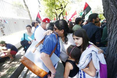 En Santiago de Chile, expresan su dolor.