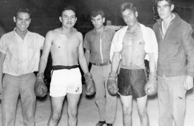 27112016 Enrique Fernández, su manager, José Reyes y Sr. Silva, en 1952 en Jiménez, Chihuahua.
