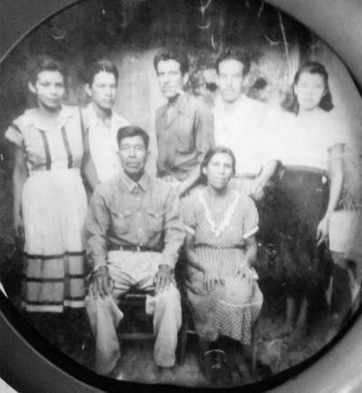 27112016 Familia Moreno Camacho: Vicente, Alfonso y Albino, Josefina y María Magdalena y sus padres, Nicolás Moreno Rivas y Felicitas Camacho, en 1953.