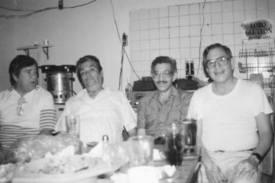 27112016 Ismael, Jaime y Claudio Martínez Sánchez con Benito Salazar (f).