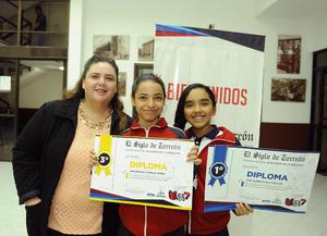 28112016 Gerardo Magallanes, Jimena Magallanes y Dulce Acosta.