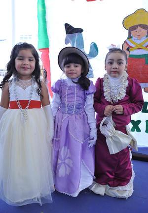 28112016 Isabel, Lizeth y María José.