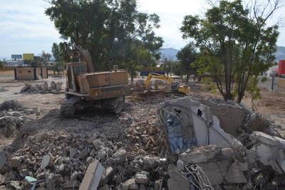 Iniciaron los trabajos de demolición de las antiguas instalaciones de la Preparatoria Venustiano Carranza.