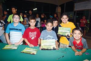 30112016 PARTICIPAN EN TORNEO DE TENIS.  Ricardo, Pedro, Rodrigo, Roberto, Diego y Manuel.