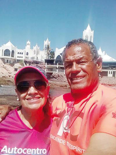 01122016 Yolanda y Carlos Bernardo.