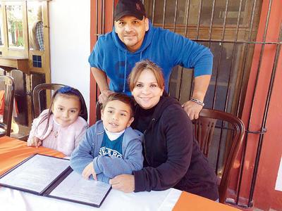 01122016 Camila, Paquito, Diana y Francisco.
