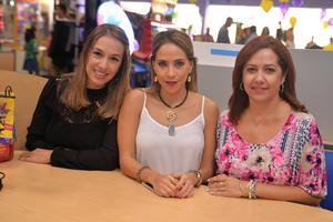 01122016 AMIGAS.  Iziar, Alicia y Claudia.