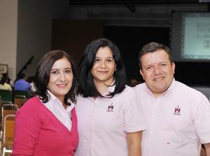 02122016 María Esther Piña, Claudia Muñoz y Jacobo Aguilar.