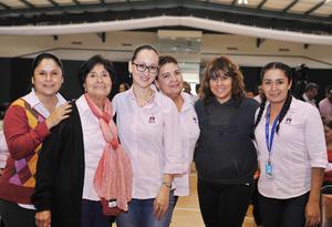 02122016 Rosita, Liz, Coco, Pao, Mónica y Tania.