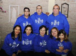 02122016 Guillermo Pimentel y Norma Santacruz con sus hijos Alex, Luisa y Renata.