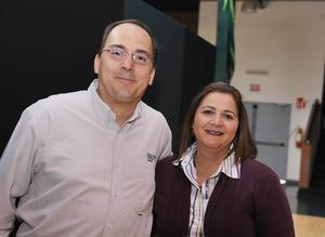 02122016 Andrés Rosales Valdés y Lorena Giacomán Arratia.