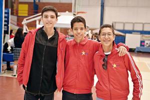 03122016 MUY CONTENTOS.  Samir, Emilio y Alejandro.