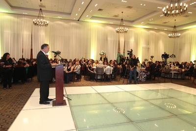 En esta celebración tan especial, estuvieron presentes algunos directivos como el Sr. Roberto Zapata Llabrés, director general de Hoteles Misión y el Lic. José Gamboa Silva, presidente del Consejo de Administración de Inmobiliaria Brits, entre otros invitados especiales.