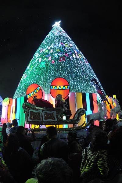 Se instaló además una villa navideña que podrá ser visitada por los asistentes