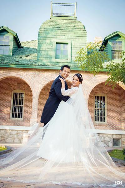 04122016 David Dávila González y Alison Alejandra Rocha Muñoz se unieron en feliz matrimonio el 26 de noviembre con una ceremonia religiosa en la Iglesia Catedral del Carmen. - E&E Fotografía