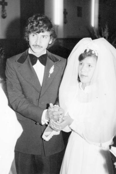 04122016 José Antonio Mesta Zubía y Ma. Imelda Hurtado de Mesta el 8 diciembre de 1976.