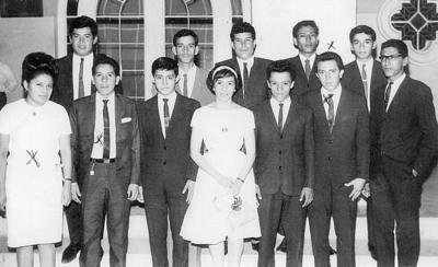 04122016 Nohemí Juárez, Roberto y compañeros en 1965.