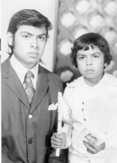 04122016 Martín Rivera Vázquez con su padrino, José Rosalio Rivera V. (f), el 25 de agosto de 1974.