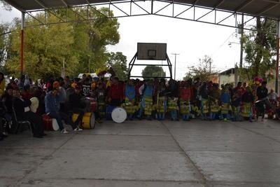 Alrededor de 15 grupos de danzantes de diversos ejidos de Gómez Palacio danzaron y peregrinaron.