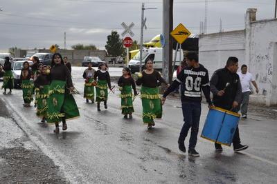 Peregrinando y danzando fue como dieron inicio en Gómez Palacio a un nueva festividad instaurada por el Gobierno municipal.
