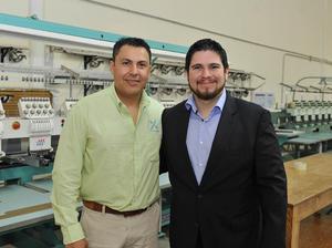 04122016 EN UNA INAUGURACIóN.  José Antonio y Ernesto.