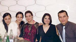 04122016 Cassandra, Ariadna, Carmen, Minerva y Cuauhtémoc.