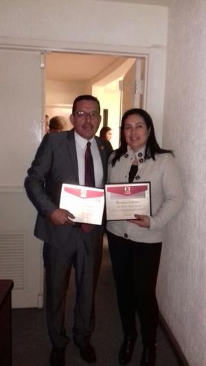 04122016 MERECIDO RECONOCIMIENTO.  En días pasados, fueron reconocidos por su carrera judicial trabajando en el Poder Judicial del Estado, Francisco Antonio Ríos Rodríguez (24 años) y Socorro Cardiel Ramírez (17 años).