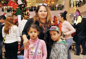 06122016 Angélica, Ángela y Antonio.