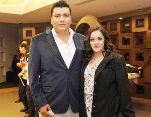 06122016 Héctor y Karla.