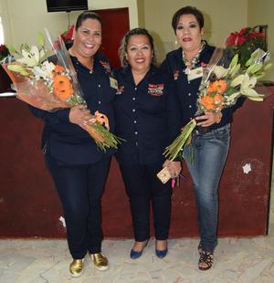 06122016 Ana Lorena, Olivia y Liliana, acompañaron a los equipos de la Sección 35.