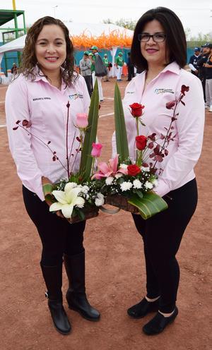 06122016 Margarita Herrera y Erika Reyes, madrinas de la SEED de Durango.