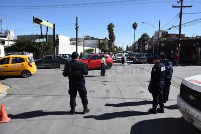 Desde temprana hora se cerraron las calles aledañas al Teatro Nazas de Torreón.