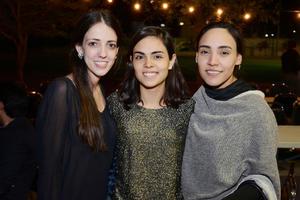 07122016 ENTRE AMIGAS.  Ana Isabel, Carla Sofía y Adriana.
