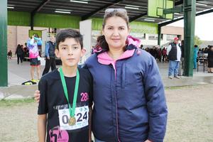 07122016 Manuel con su mamá, Tere.