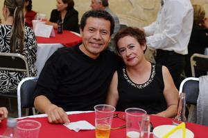 07122016 NOCHE BOHEMIA.  Gabriel y Lupita.