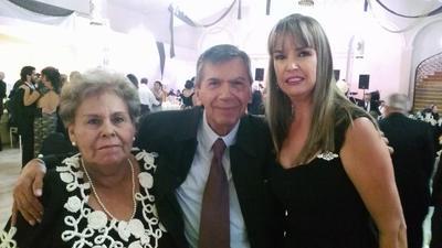 08122016 Bertha, Arturo y Necha.