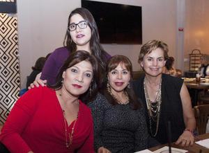 08122016 Cristina, Stefy, Imelda y Olga.