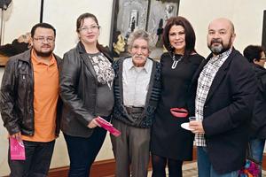 09122016 EN EL TEATRO ISAURO MARTíNEZ.  Óscar, Edith, Nazario, Laura y Hans.