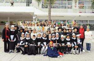 09122016 FESTIVAL ESCOLAR.  Alumnos de quinto de primaria acompañados por sus maestras Alice y Magaly quienes los guiaron en la actividad en la que participaron muy entusiastas.