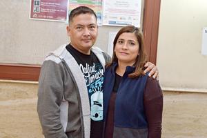 09122016 MUY CONTENTOS.  Alejandra y David.