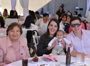 Martha, Sofía, Ernesto y Alejandro