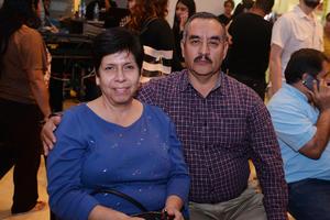 10122016 EN RECIENTE EVENTO.  Norma y Sergio.